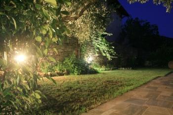 Garden Mezzanine (Διαμέρισμα δύο επιπέδων με κήπο)